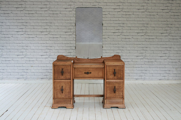 A 1930's oak dressing table