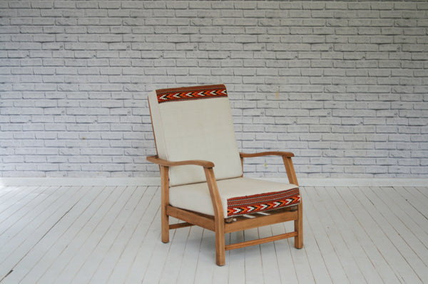 A 1940s mahogany framed sleeper chair/Armchair