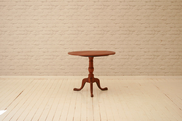 A George III  (1760-1820) mahogany tripod tilt-top occasional table