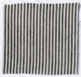Narrow stripe linen - black