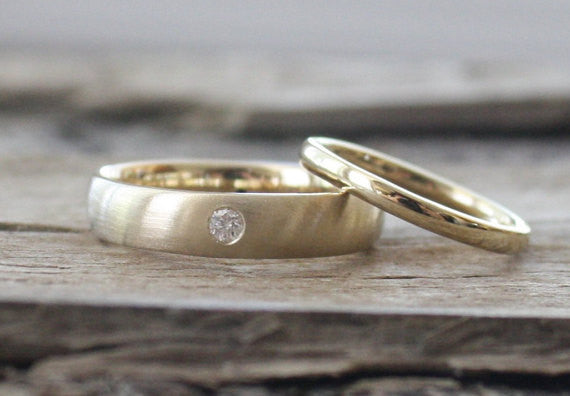 Matching Diamond Wedding Band Set in 14K Yellow Gold
