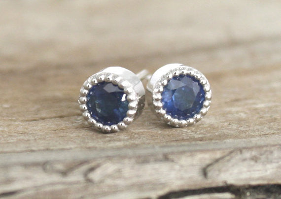 Milgrain Bezel Cornflower Blue Sapphire Stud Earrings in 14K White Gold