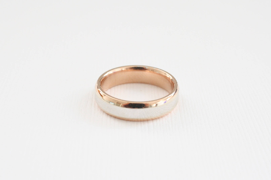 Rounded Beveled Men's Wedding Band in 14K Two Tone White and Rose Gold