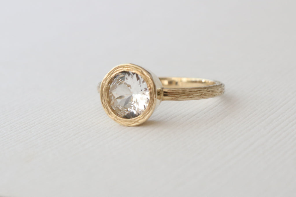 White Sapphire Bezel Twig Ring in 14K Yellow Gold