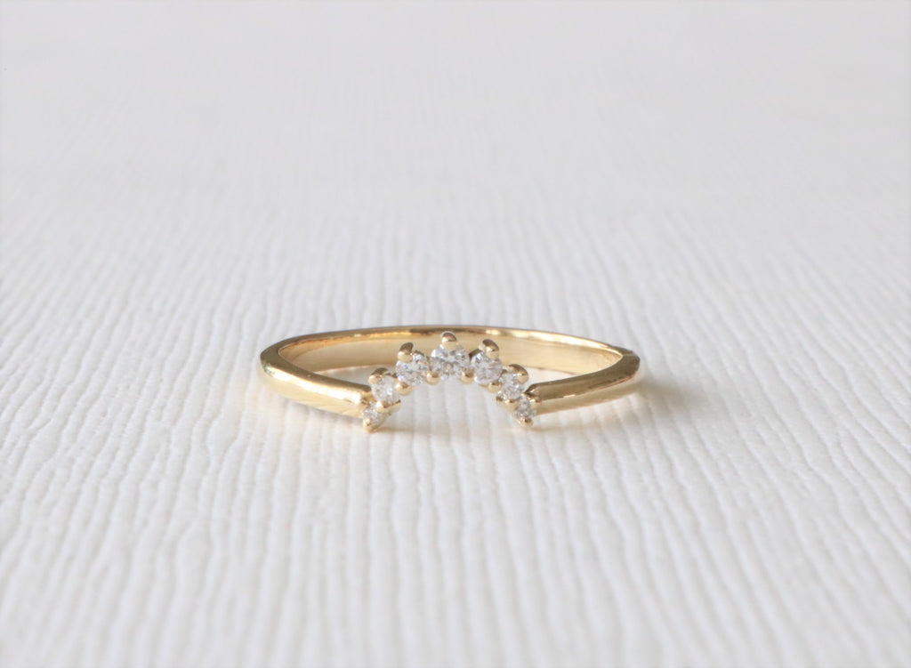 Tiara Style Curved Diamond Ring in 14K Yellow Gold