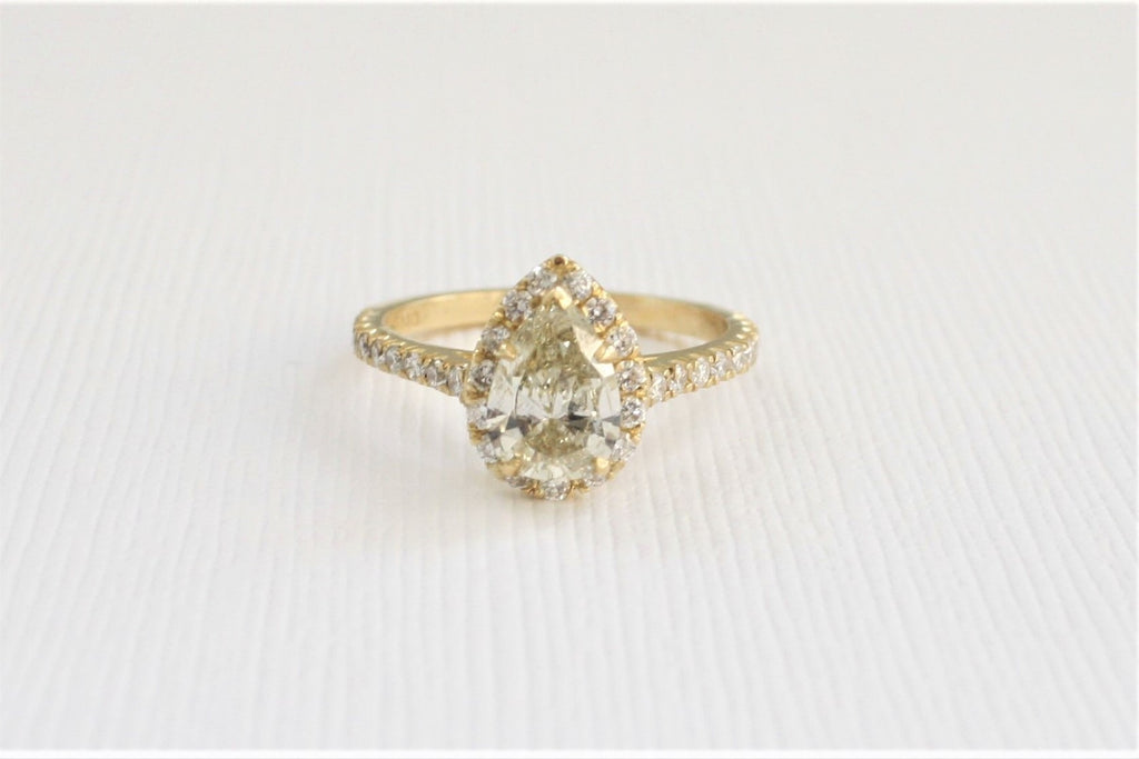 Pear Cut Light Yellow Champagne Diamond Halo Engagement Ring in 18K Yellow Gold