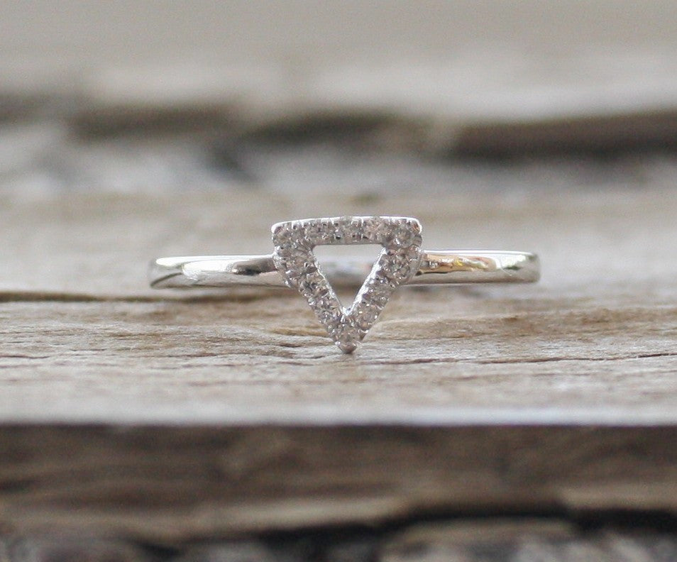 Triangle Diamond Ring in 14K White Gold