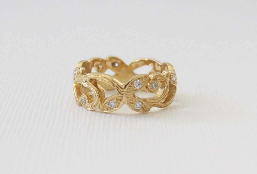 Handcrafted Solid Gold Leaf and Vine Filigree Diamond Ring in 14K Yellow Gold