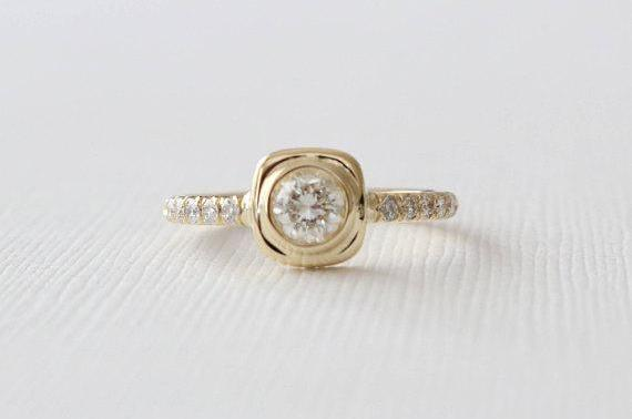 Diamond Cushion Bezel Engagement Ring in 18K Yellow Gold