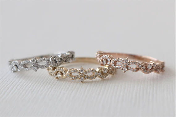 Vintage Style Scroll Diamond Band in 14K Gold