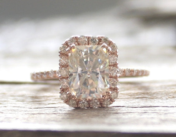 Radiant Cut Moissanite Diamond Engagement Ring in 14K Rose Gold