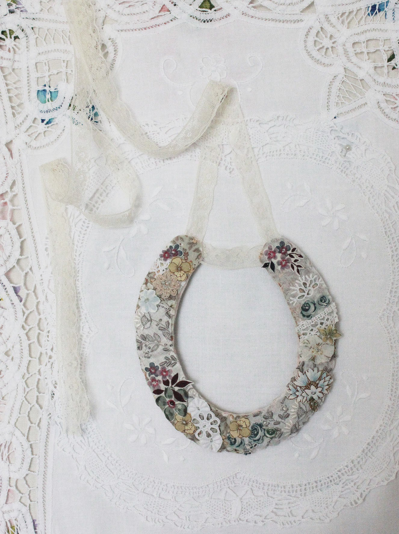 Linen Stationery ~ Pretty Wedding Horseshoe (hand-made 2.)