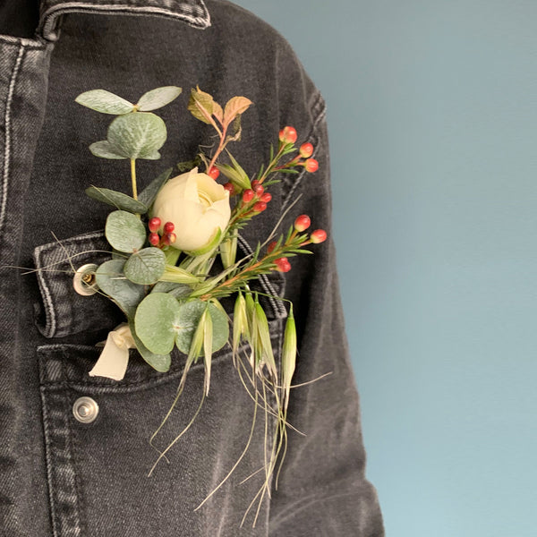 Customisable Rustic Buttonholes