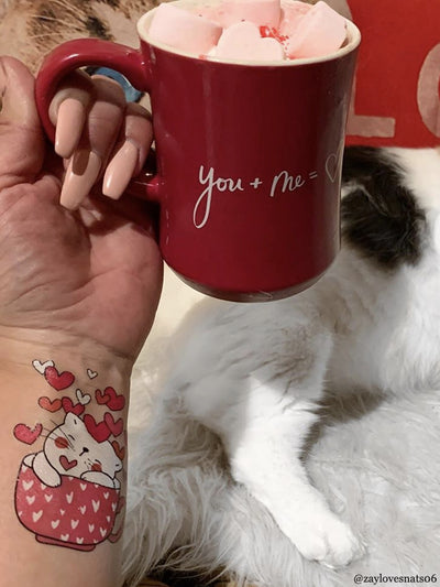 Cat love tea