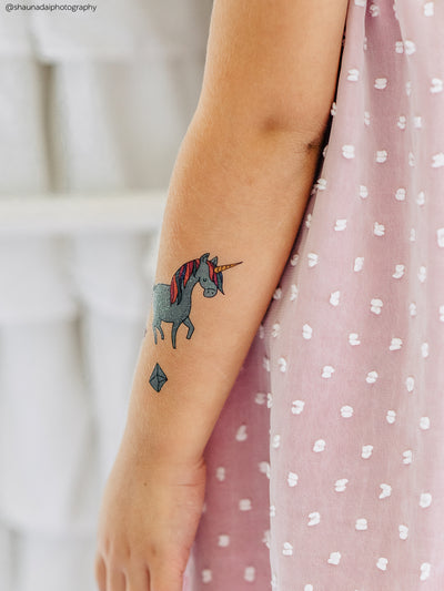 Blue unicrom temporary tattooo from big Magic unicorns kids tattoos set by Ducky street