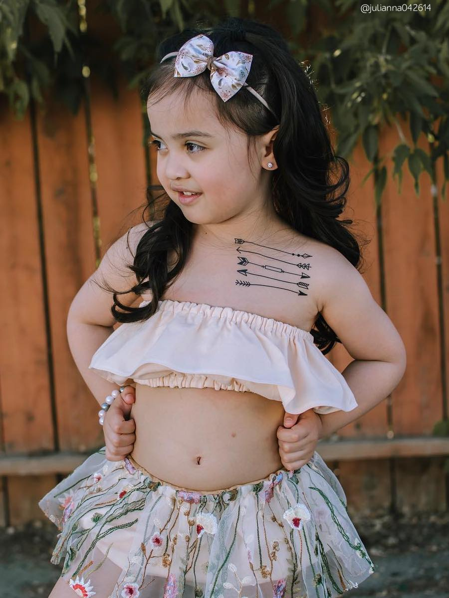 High quality temporary tattoos «Doodle arrows» with black hand drawn in doodle style boho arrows. Boho party favors and birthday goodie bags supply. Skin safe and non toxic kids friendly tattoos by Ducky street.
