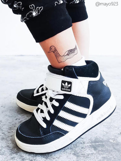 Cool Duck temporary tattoo from Animals kids body stickers set. Great combination with black and white clothes and adidas kids sneakers.