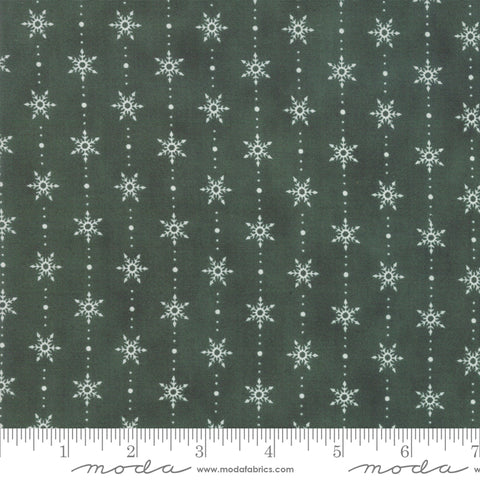 Homegrown Holidays Holly Green Snowflakes In A Row Yardage by Deb Strain for Moda Fabrics