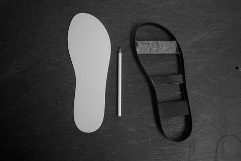 erato-sandals-drawing-the-design