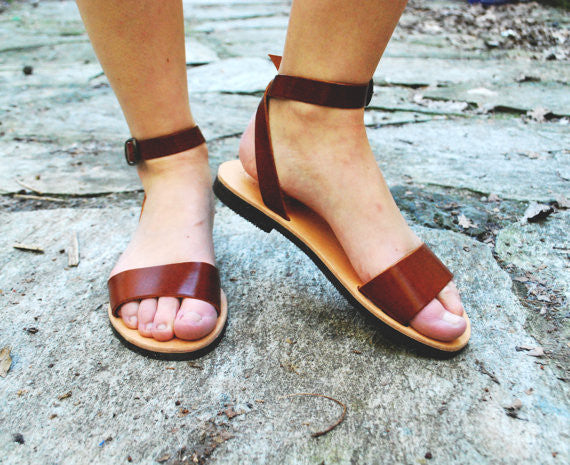 "City ""Sophia"" ankle strap leather sandals in light brown front"