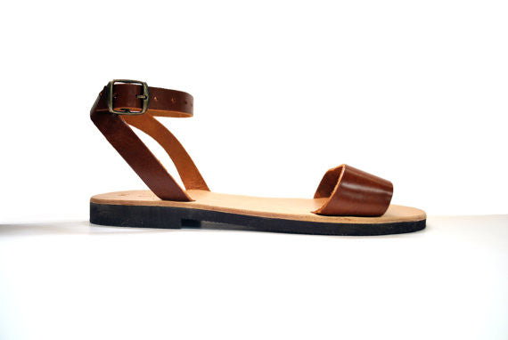"City ""Sophia"" ankle strap leather sandals in light brown side view"