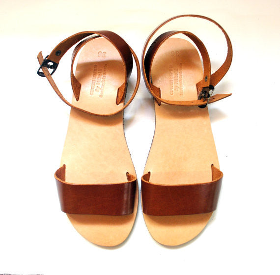 "City ""Sophia"" ankle strap leather sandals in light brown above view"