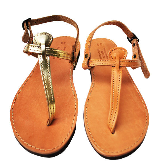 T strap leather sandals in gold