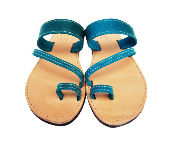 "Toe ring ""Eleni"" sandals in blue"