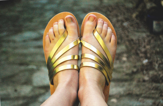 """Venus"" sandal slides in gold"
