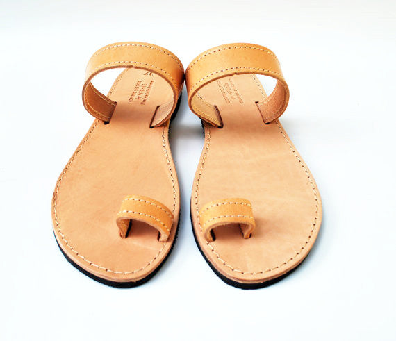 Natural brown toe ring sandals