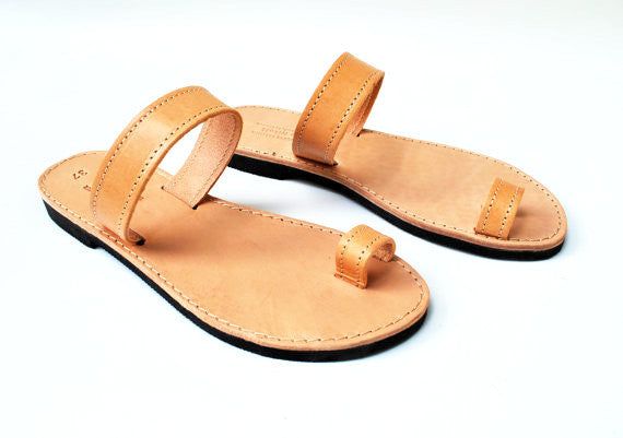 Natural brown toe ring sandals side view