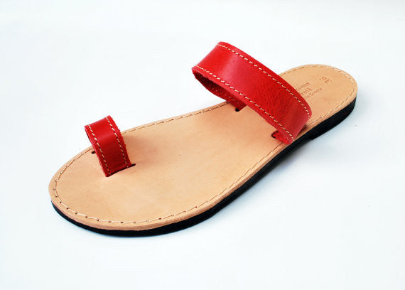 Bohemian red toe ring sandals side view