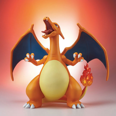 Pokemon: Charizard Gigantic Series (PRE-ORDER)