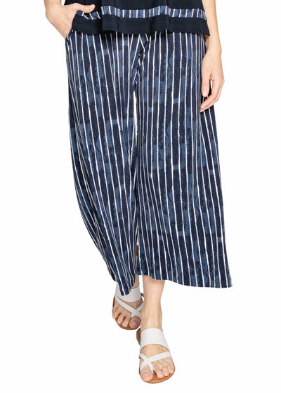 WIDE LEG TROUSER CROP, PATTERN - PAINTED LINES, NAVY
