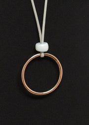 TWO A - PEBBLE TOPPED METAL CIRCLE PENDANT NECKLACE