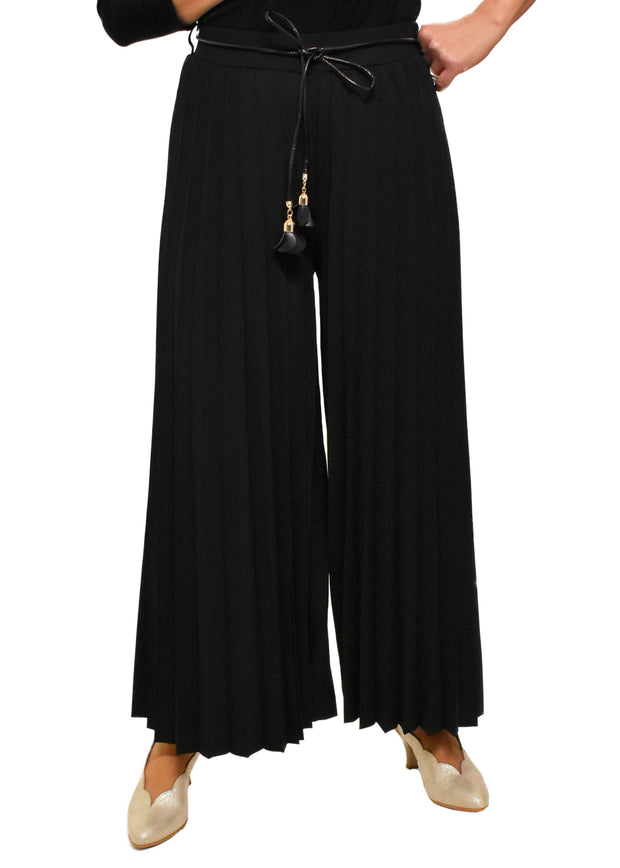 PLEATED PULL ON PANT WITH FLOWER BELT - BLACK