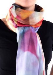 IN FOCUS - FLOWERS IN BLOOM SCARF