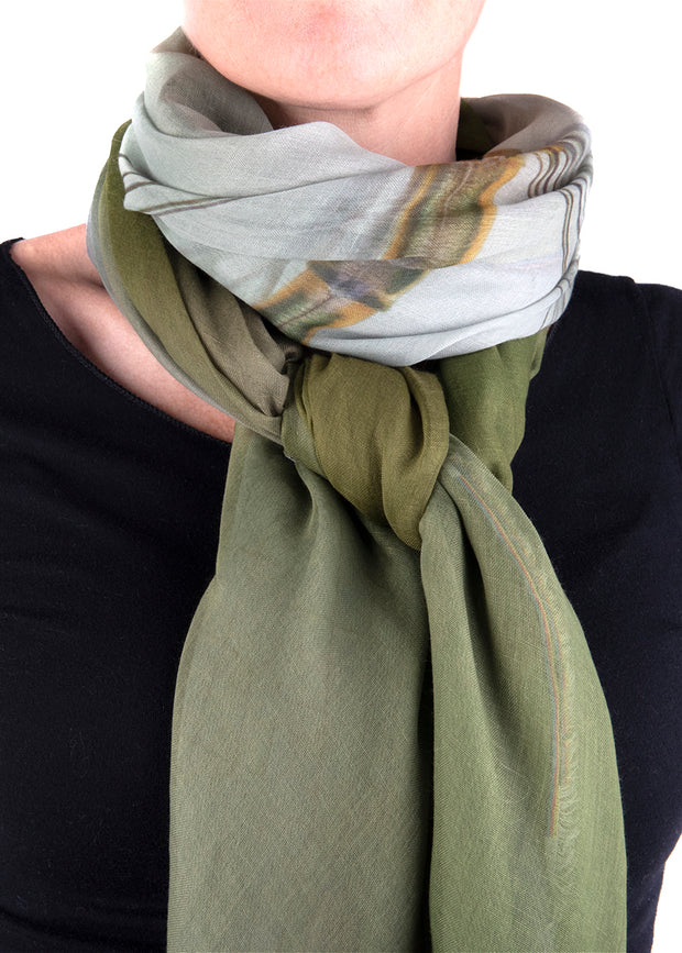 IN FOCUS - DAMSELFLY SCARF