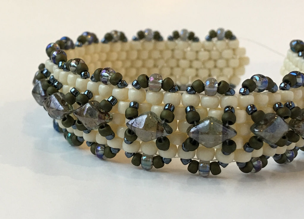 Peyote Stitch II (Madras Bracelet): November 23, 10am - 1pm  |  Class Sign Up