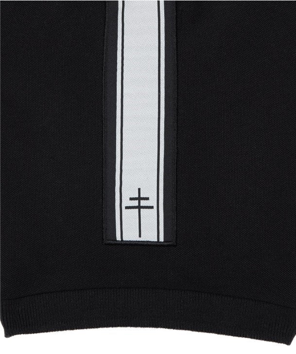 Lysander Polo Shirt sleeve detail featuring Free French Logo