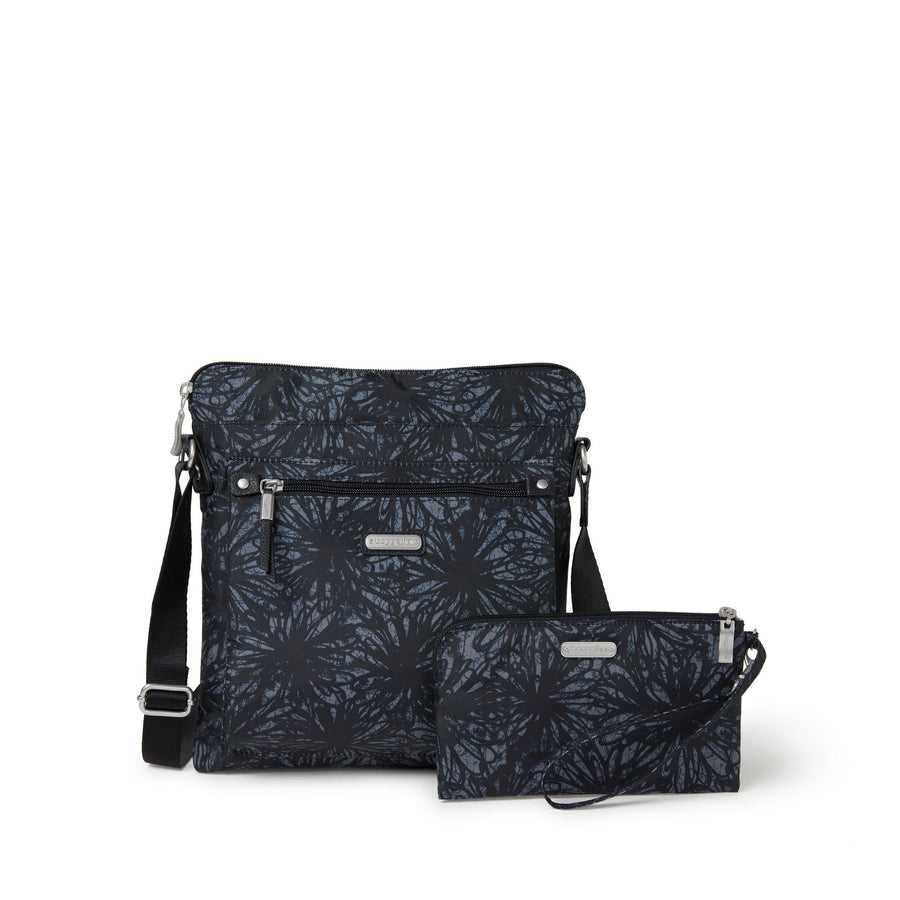 Baggallini Go Bagg with Wristlet - Onyx Floral