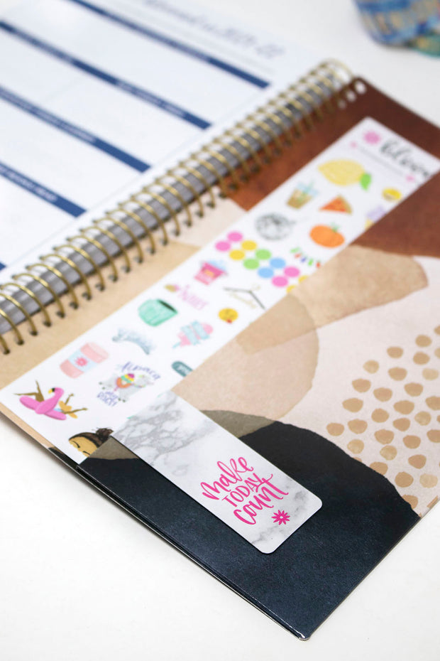 2021-22 Soft Cover Daily Planner & Calendar, Earthy Abstract