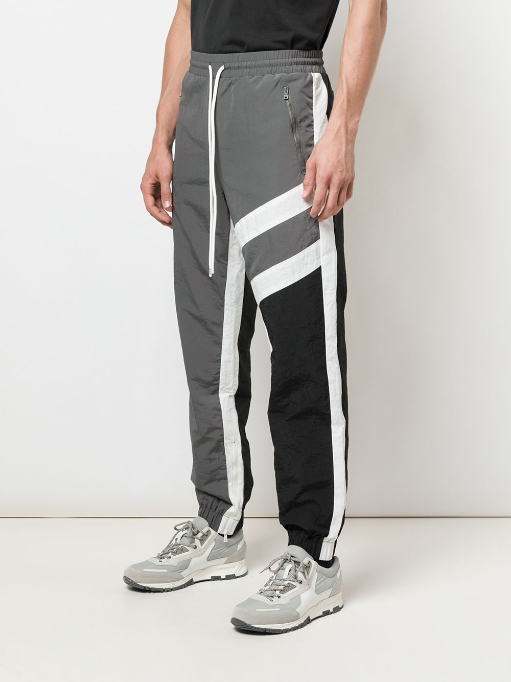 SUPERSTAR WARM UP PANT (CHARCOAL/BLACK)