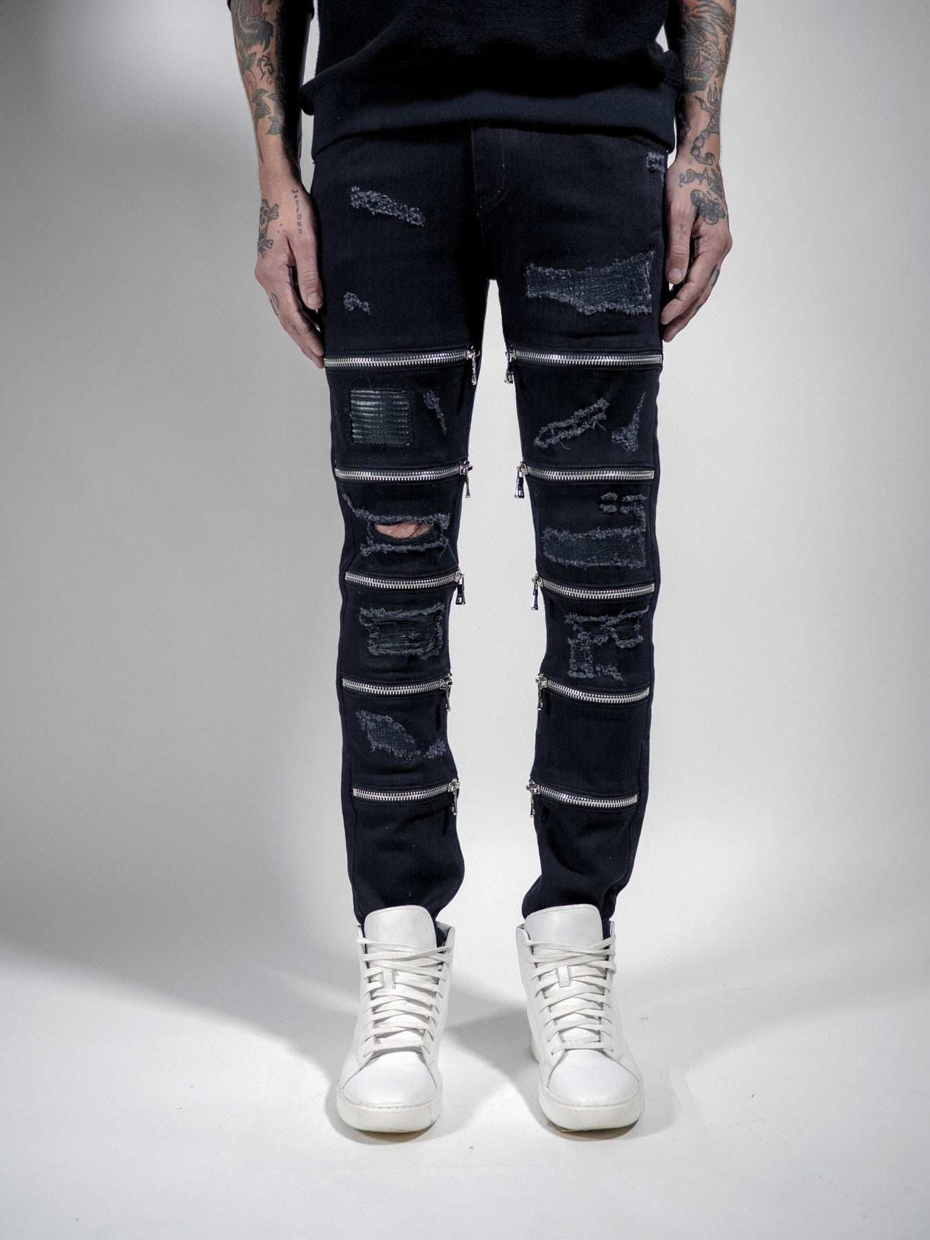 RIPPED MAARAVI ZIPPER JEANS (BLACK)
