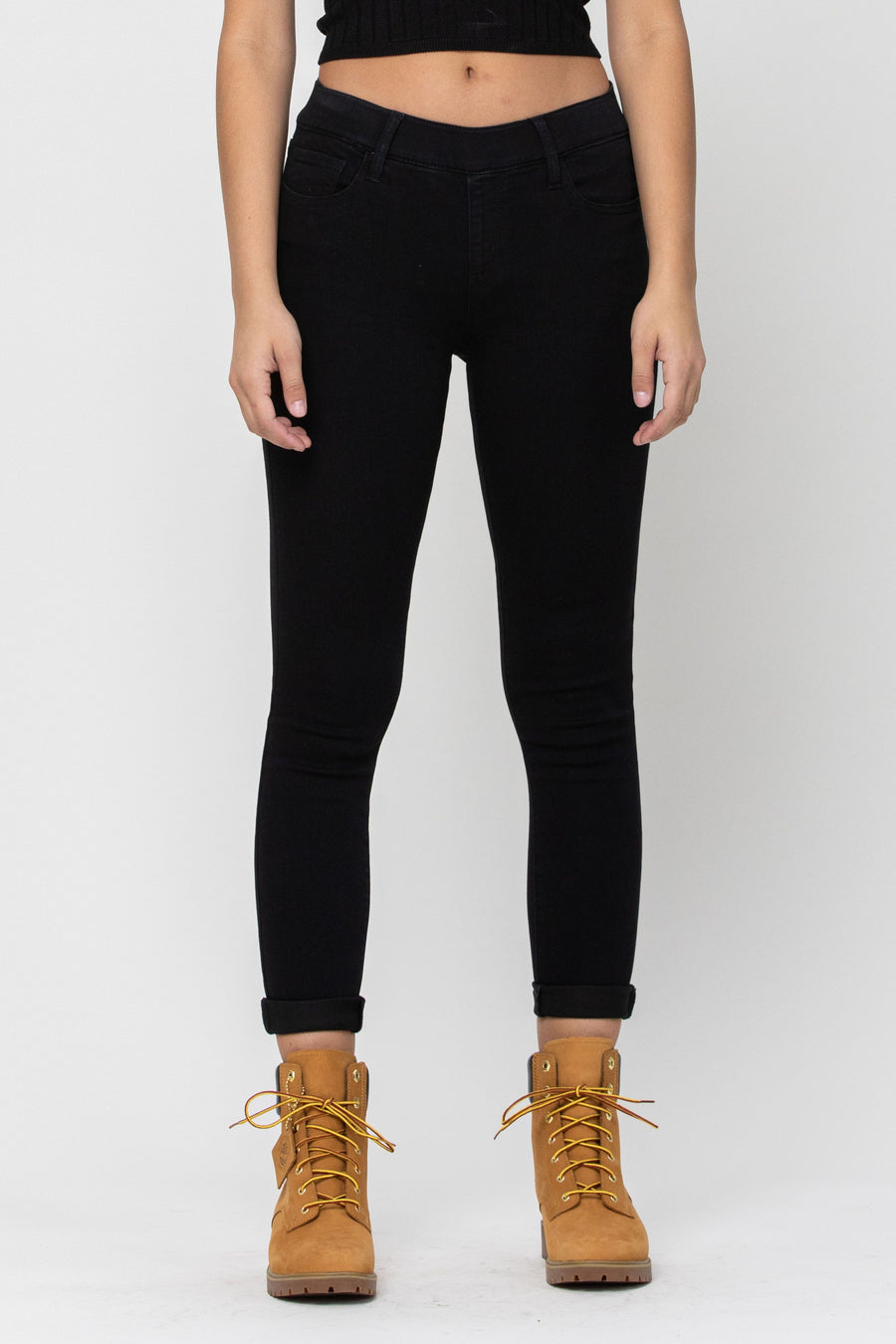 Mid Rise Pull On Crop Skinny w. Rolled Hem