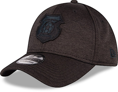 Club Sport Herediano Gorra Negra 39THIRTY Cerrada  M/L Shadow Tech de New Era
