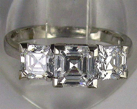 R0004 2.5CT TW CZ 1CT ASSCHER WITH 0.75 CT ASSCHER SIDES