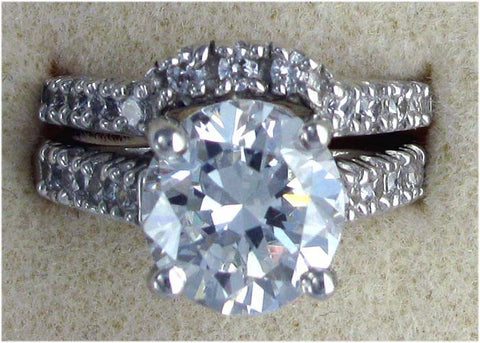 R0057 5CT TW WEDD SET 4CT RD CZ  CENTER STONE