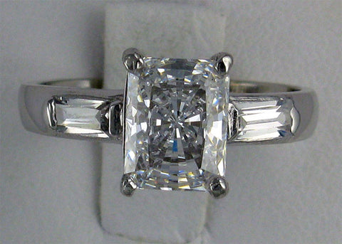 R0066 3.20 CT TW  3CT RT CZ CENTER BAGUETTE SIDES