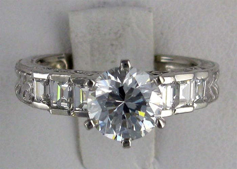R0236  2.5 CT TW CZ RG  2CT CENTER BGT SIDES